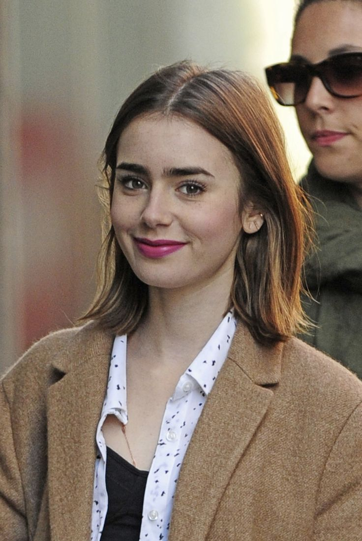 IN LOVE (Lily Collins)