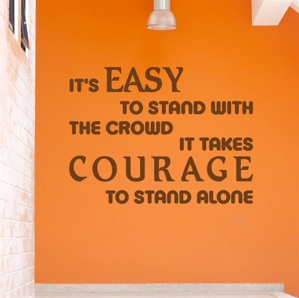 It's easy to stand with the crowd - Wallstickers i E-mærket webshop - Køb online nu på www.nicewall.dk