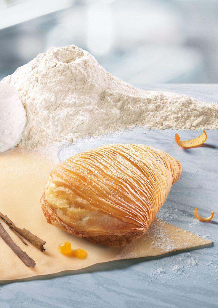 Sfogliatelle (Italian Flaky Pastry with Citron Ricotta Filling).