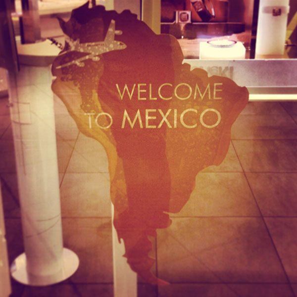 """¡Bienvenido a México!  Pues eso: un mapa de Sudamérica, continente en el que no cae México ni por asomo. Como le contestó un amigo mexicano a un facha en Madrid: """"Insúltame, pero hazlo con propiedad. No soy sudaca de mierda, sino nortaca de mierda""""."""
