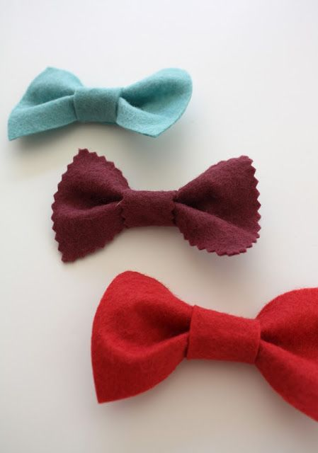Felt bow tie tutorial - I didn't have the color felt that I wanted, so I sewed up a tiny square of fabric and went from there. Easy, cute, good use of scrap material. Would be easy hairbow too for girls.
