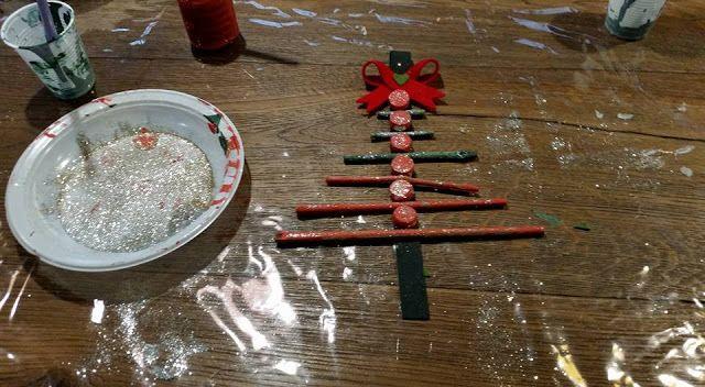 Da Mamma a Mamma.: Come creare un addobbo a forma di albero di Natale...