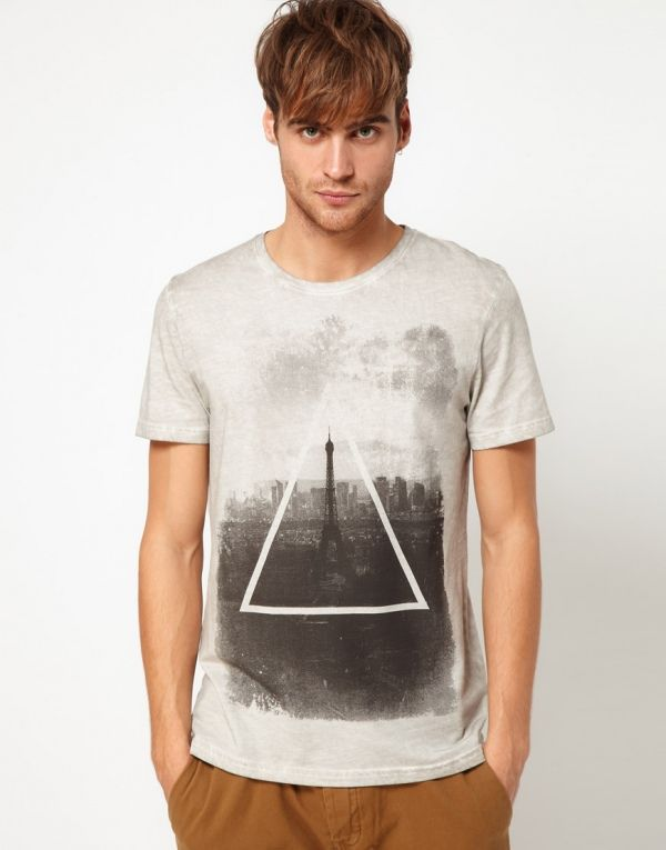 River Island T-Shirt with Triangle Print from Picsity.com