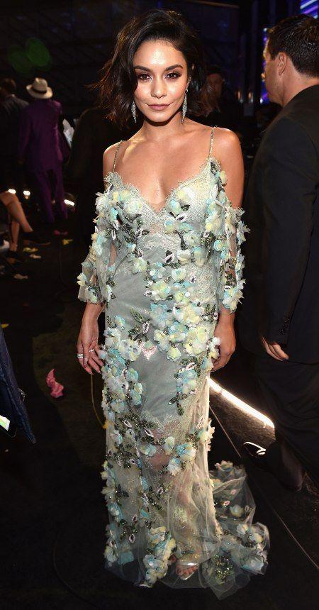 Vanessa Hudgens in Marchesa hosts the Billboard Music Awards. #bestdressed