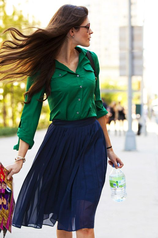 : Color Combos, Emeralds Green, Blue Green, Blue Skirts, Color Combinations, Kelly Green, Jewels Tones, Work Outfit, Pleated Skirts