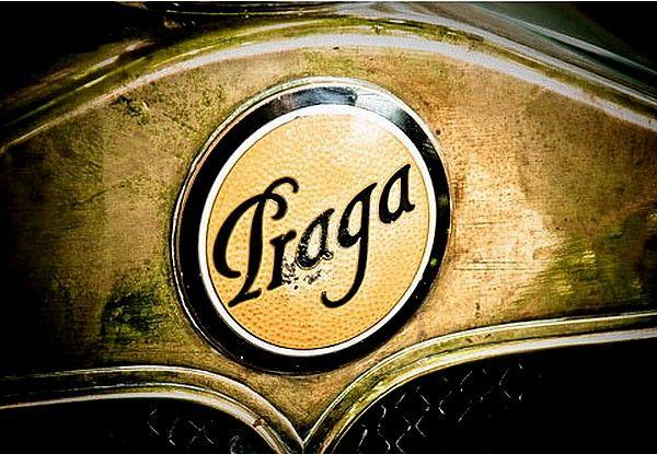 La marque de voitures automobile Tchécoslovaque Praga fut fondée en 1907 et arrêta sa production de véhicules à moteur en 1947.