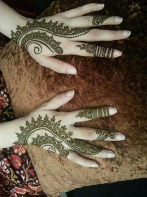 Simple Mehandi Design For Back Side Of Hand  Heena