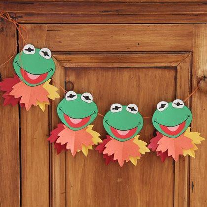 Kermit's Autumn Leaf Garland