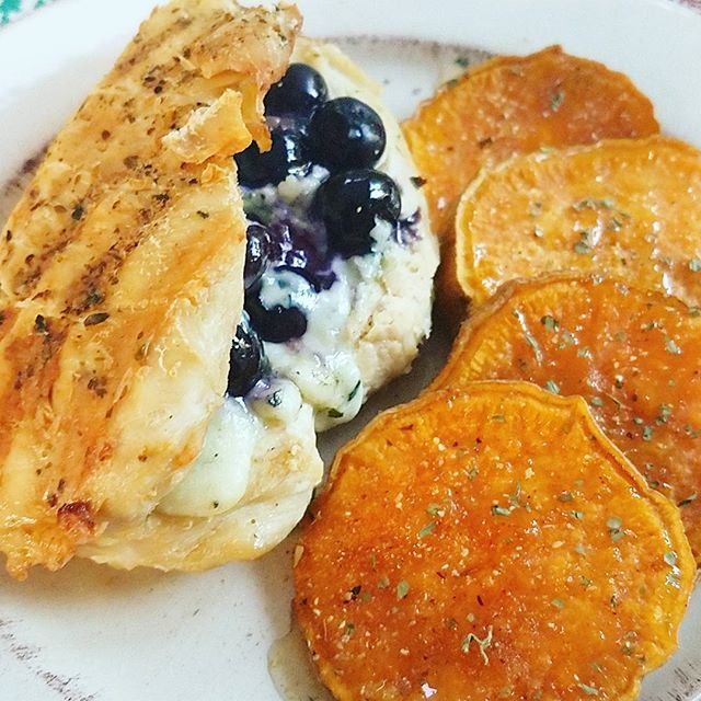 """Umm I winged it tonight in the kitchen and its heaven!!! Grilled chicken stuffed with blue cheese and blueberries with a side of honey roasted sweet potatoes.  #chicken #blue #blueberry #cheese #chicken #sweetpotato #honey #chefofinstagram #cooking #foodprep #gymlife #recipes #classes #events #bossbabe #entrpreneur #instahealthy #live #love #learn #grow #coaching #foodporn #foodcierge"" by @the_foodcierge. #이벤트 #show #parties #entertainment #catering #travelling #traveler #tourism…"