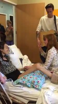 Florence sings 'Dog Days' for a Sick girl in Hospital