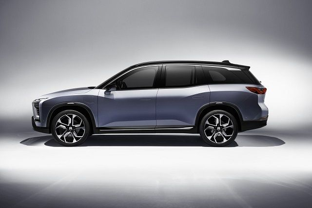 NIO ES8 7 seater electric SUV side view
