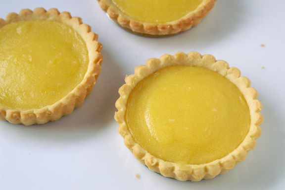 mini lemon tarts (and an easy way to make perfectly-shaped crusts). | a periodic table.