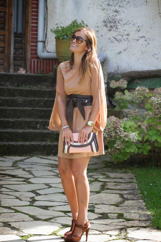 El Outfit de Lucía guapísima y desprendiendo estilo http://www.escuestiondestilo.com/2013/10/boga-valentia.html #BogaValentia #vestido #dress #escuestiondestilo #LucíaDíez #outfit #look