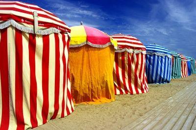Planches et parasols à Deauville