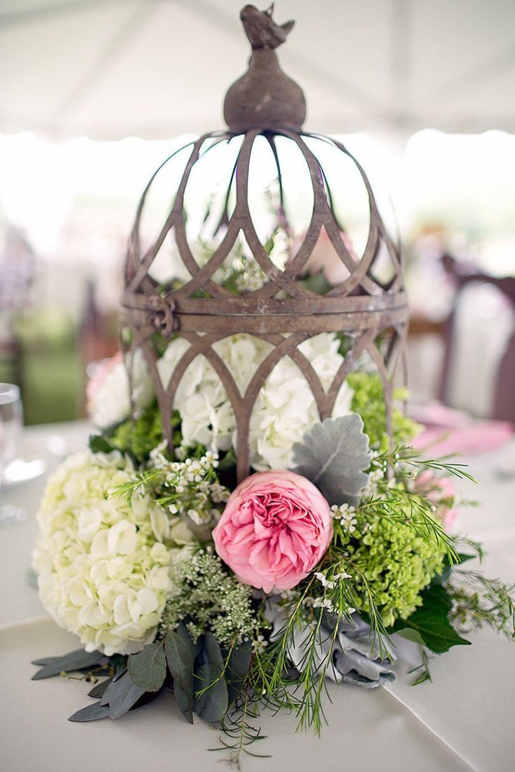 Rustic glamour is the perfect way to