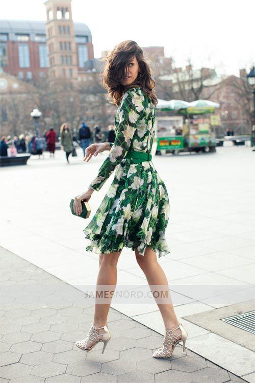 http://georgi.ro/rochia-cu-imprimeuri-florale/