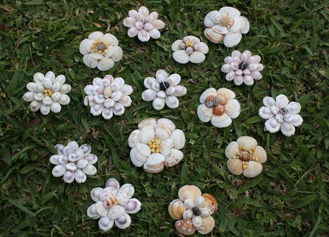 Mint Green Sewing Machine: How to Make: Shell Flowers