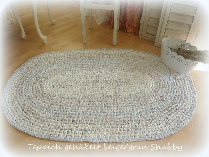 Ovaler Teppich beige/ grau  gehäkelt Shabby von Meine-Ideen-Stube auf DaWanda.com