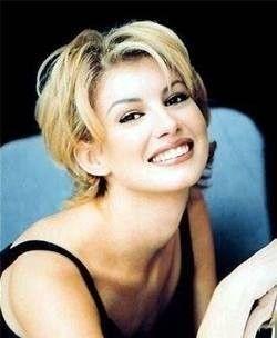 HairTalk®: Beautiful People, Beautiful Hair > Celebrity Hair Talk > Faith Hill short again??? > Page 1
