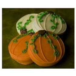 A beautiful favor for an elegant wedding reception, bridal shower,engagement party or your dinner party, these delicious Pumkin Design chocolate covered oreos will look gorgeous on your candy buffet or at each place setting.