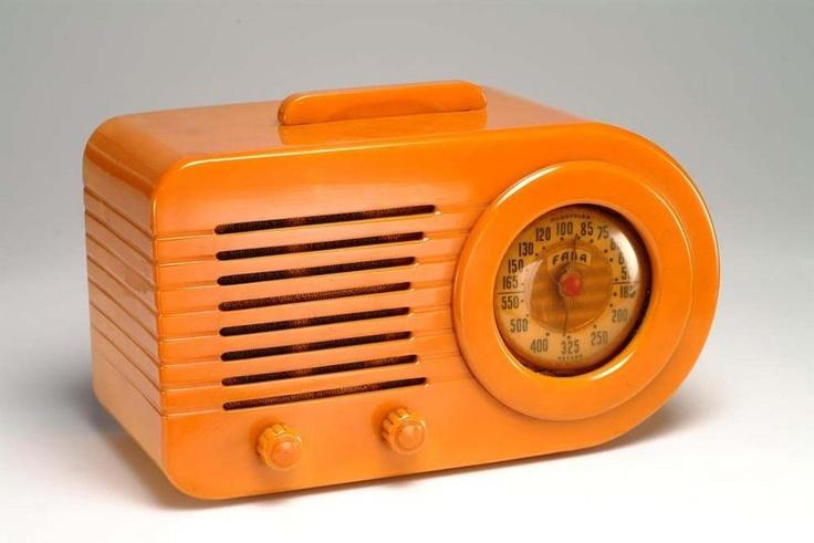 Vintage Fada 1000 Butterscotch Bakelite Radio