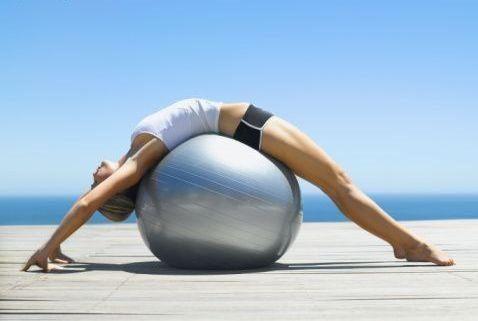 O pilates com bola traz milhares de benefícios ao corpo, principalmente em mulheres grávidas.