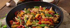 Zoete kip met paprika uit de wok Hier maak je bijna iedereen altijd blij mee! Simpel, maar érg lekker… Daarnaast is deze maaltijd heel snel klaar, ideaal toch? De benodigdheden voor deze goedkope studentenmaaltijd (4 personen) zijn: 2 rode paprika's 400 gram witte rijst 1 ui 2 tenen knoflook 400 gram kip 3 …