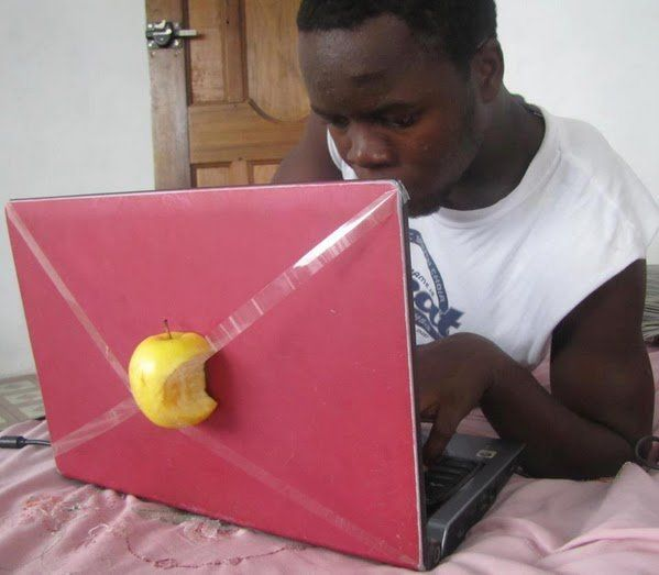 If you want a MacBook but you can't afford it, you can make this.