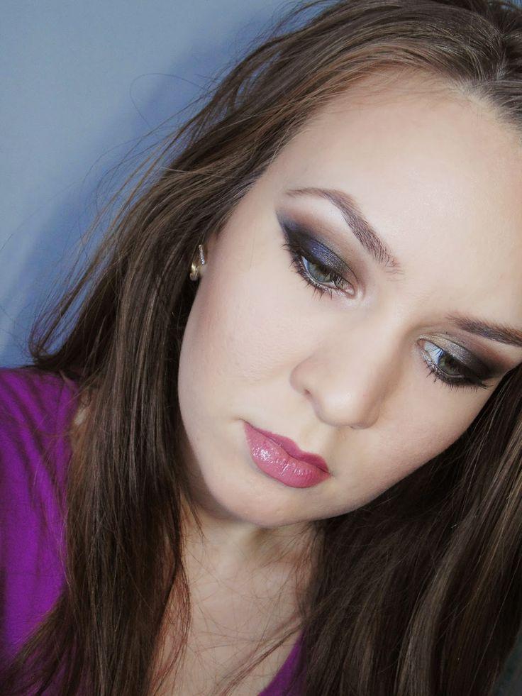 Lifestyle in my way: Black Smokey Eye | Make-up