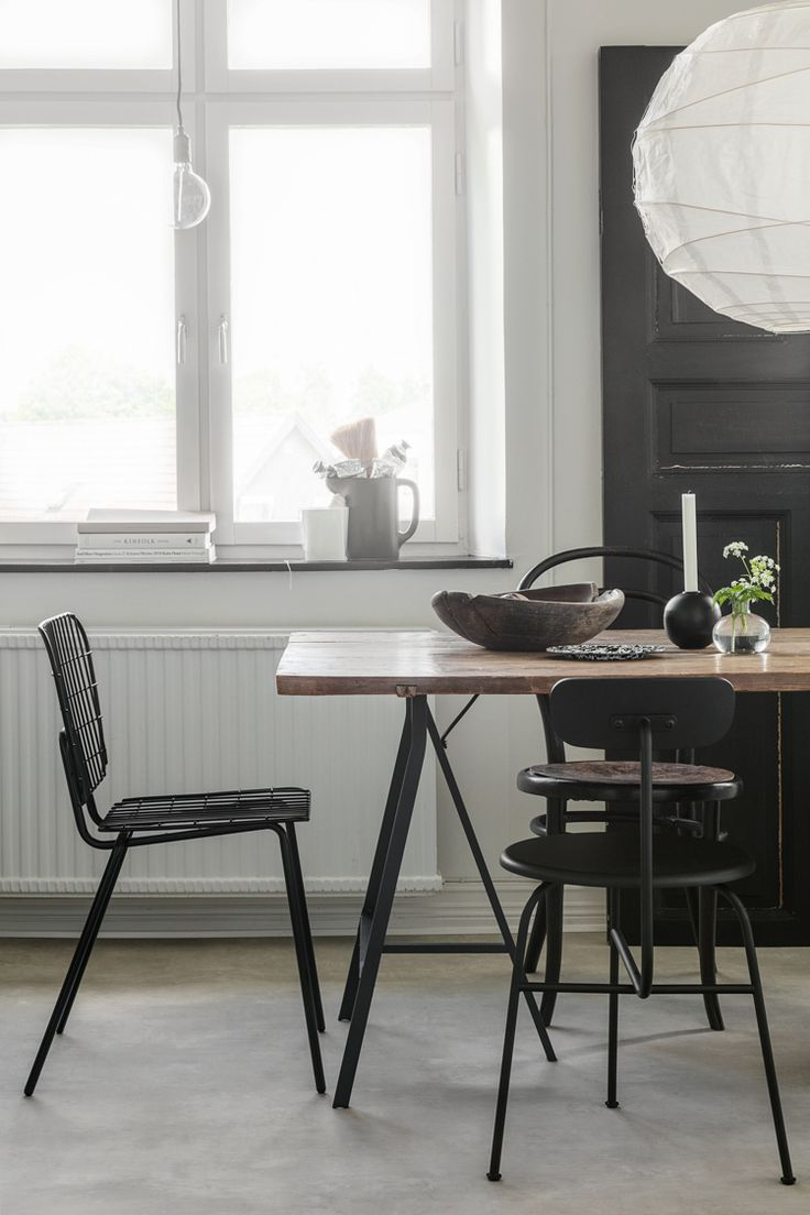 A Swedish home reminiscent of the Nordic winter landscape