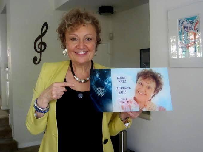 2014 utolsó hónapjaiban egy felhívásra lettem figyelmes. Szavazni lehetett a Közönség Nemzetközi Béke Díjára. Beneveztem Mabel Katz béke-nagykövetet, majd egyre többen csatlakoztak hozzám. AZ eredmény itt látható: 2015. január 1-jén ettől voltak hangosak a közösségi oldalaink... Köszönöm, Mabel Katz! www.HooponoponoWay.hu