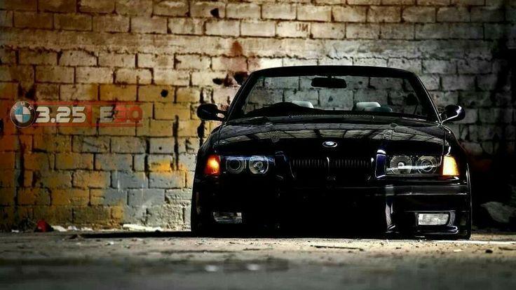 BMW E36 M3 black slammed