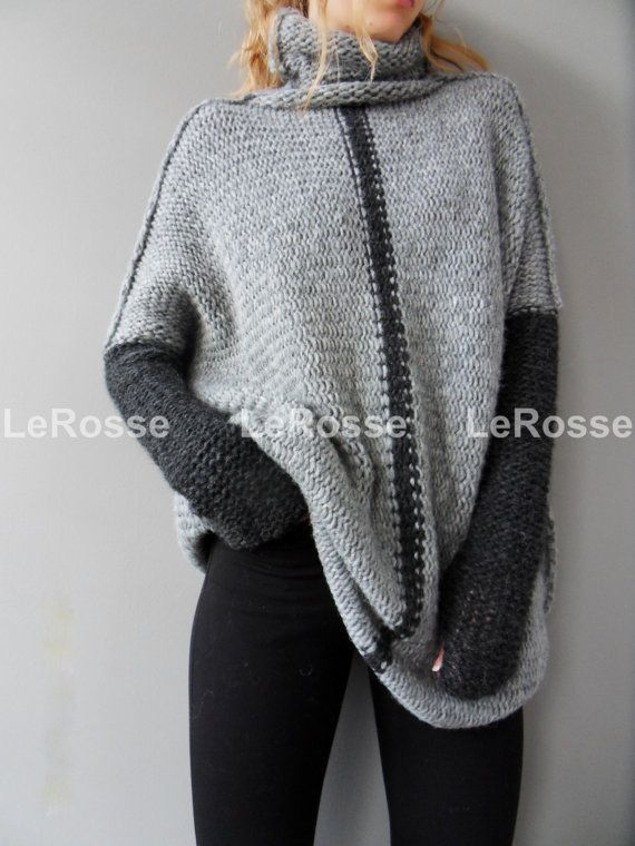 Oversized/Slouchy/Loose knit sweater. Aplaca sweater. Chunky knit sweater.