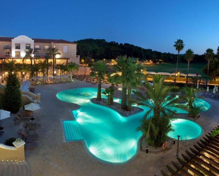 Hotel Dénia La Sella Golf Resort & Spa, cambia de dueños. Después de varios años de negociaciones con distintos inversores, se ha producido la venta del único hotel de 5 estrellas de Dénia. #Dénia #España #HotelDéniaLaSellaGolfResortSpa