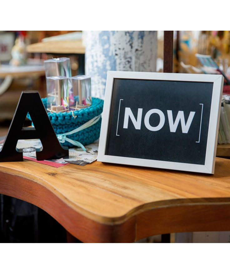 [NOW] (Ahora) - Cuadro, decoración para paredes. $99.900 COP (envío gratis). Cómpralo aquí--> https://www.dekosas.com/productos/decoracion-hogar-love-to-be-framed-words-now-medium-detalle