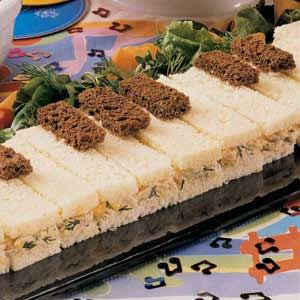 "Have a music student? Here is a recipe for ""Tune-a-Piano sandwiches"" for your next music party!"