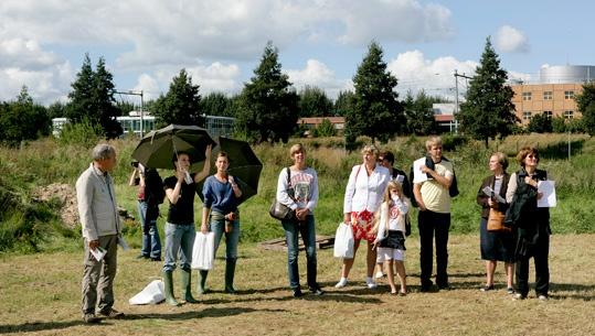 SITE2F7 Rangers onder leiding van Sara Daleiden gaven rondleidingen over SITE2F7. © Gert Jan van Rooij, Museum De Paviljoens