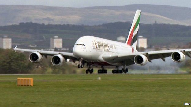 #AirbusA380 'super jumbo' lands in #Scotland for first time