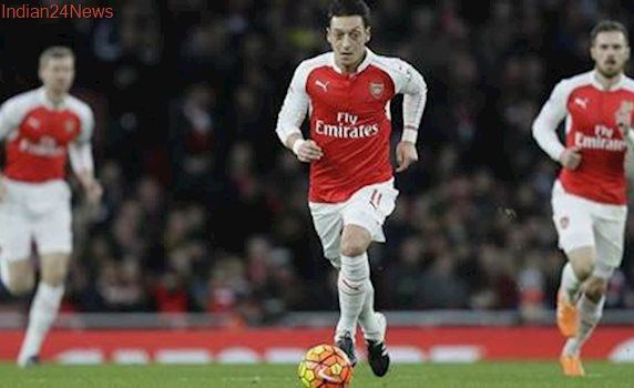 'Comfortable' Mesut Ozil soon to decide on his Arsenal future
