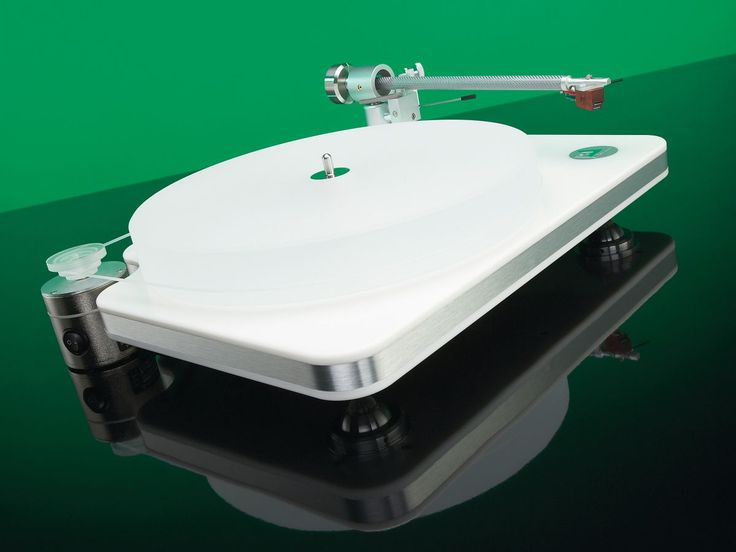 Clearaudio Performance review | You might have been mistaken for thinking that all the innovations in turntables had been long done with. Now well into its dotage, the senior format not only refuses to die off, but also continues to break new ground Reviews | TechRadar