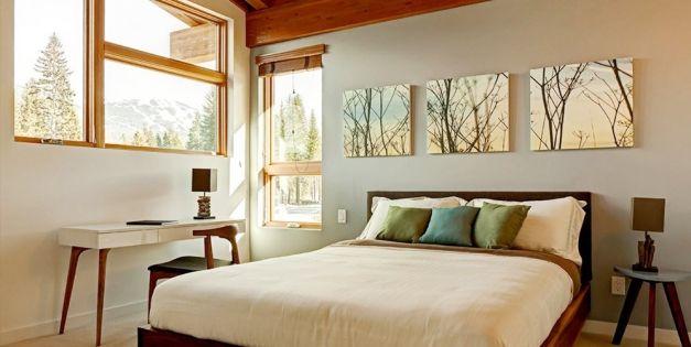 Как выбирать картины для спальни и где их вешать?