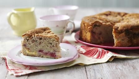 Raspberry and Custard Cake -  A homely cake, packed full of delicious raspberry and custardy flavour.