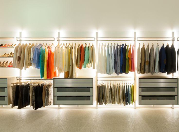 17 Best images about Open dressings en inloopkasten op maat on Pinterest   Walk in closet