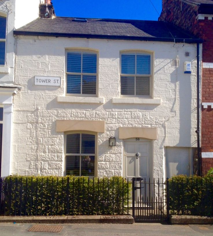 Lovely off white/cream painted house with sage green door and windows - Harrogate, England