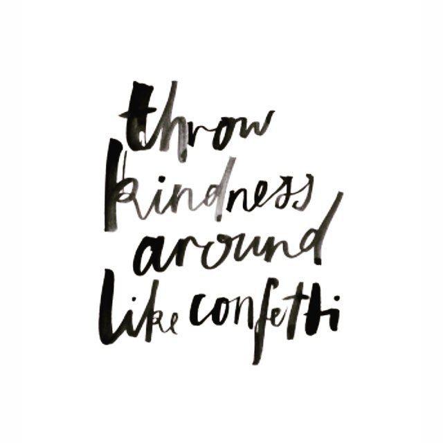 Unser Motto für das Wochenende! 💚 Weil das Leben dann einfach so viel schöner ist...  #weloveyoga #happyweekend #bekind #kindness #confetti