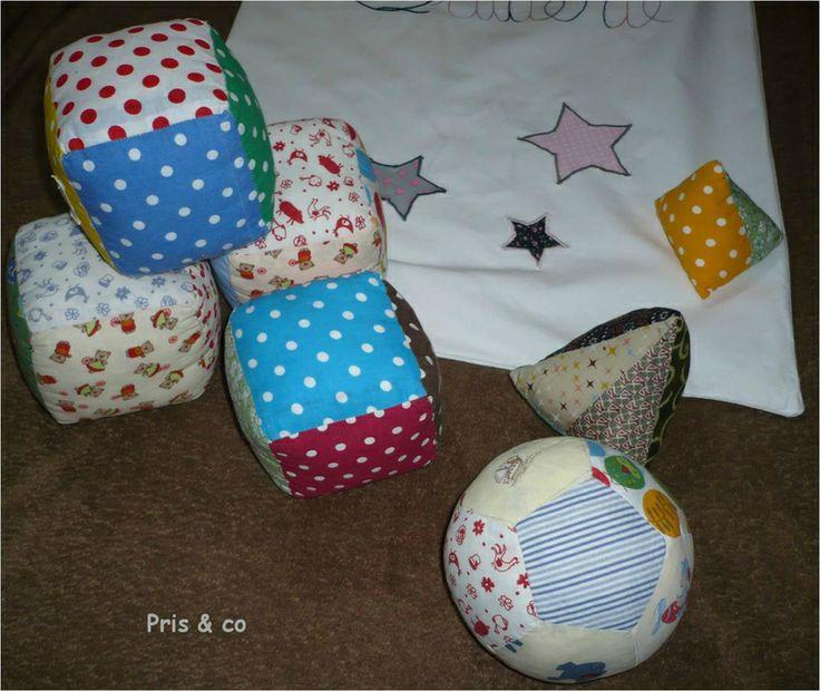 jouer en tissus bébé : ballon, cube, berlingo