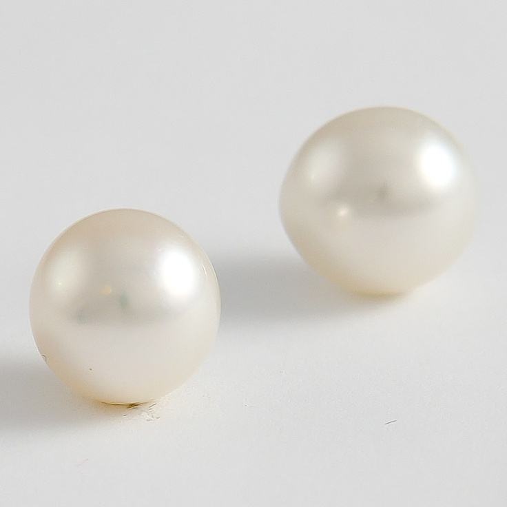 Pearls: Meet Bonnie and Clyde! They might have been outlaws but there'll be no need for you to rob a bank for this beatiful pair of 12mm drop shape pearls. Perfect for earrings. Ask us about having our jeweller commission a pair uniquely for you.
