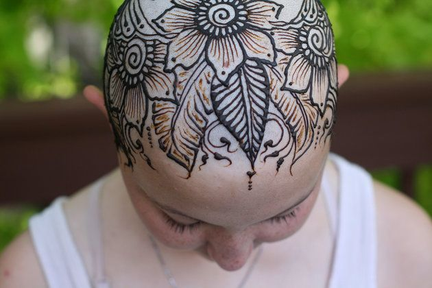 Henna Artist Creates Beautiful Crowns For Cancer Patients