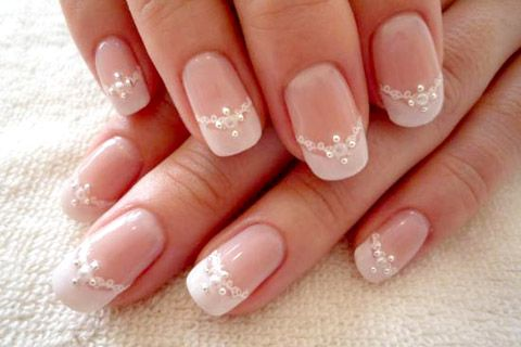 so pretty!! wedding nail design