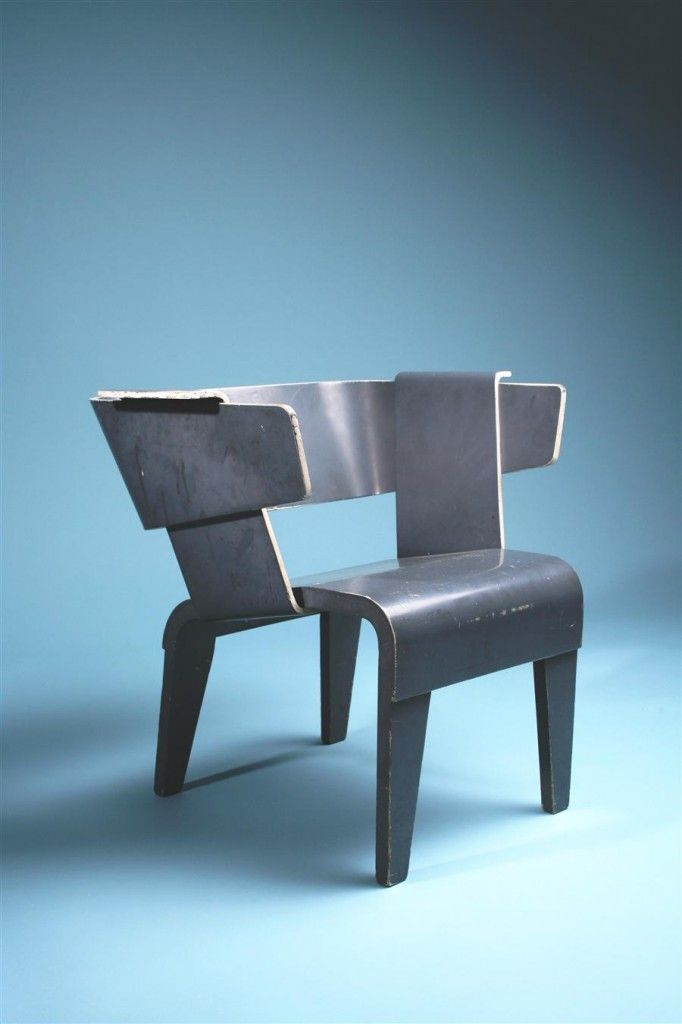 Google Image Result for http://www.chairblog.eu/wp-content/uploads/2009/06/Gerrit-Rietveld-Danish-Arm-Chair-682x1024.jpg